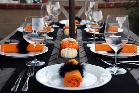 halloween dinner party table setting