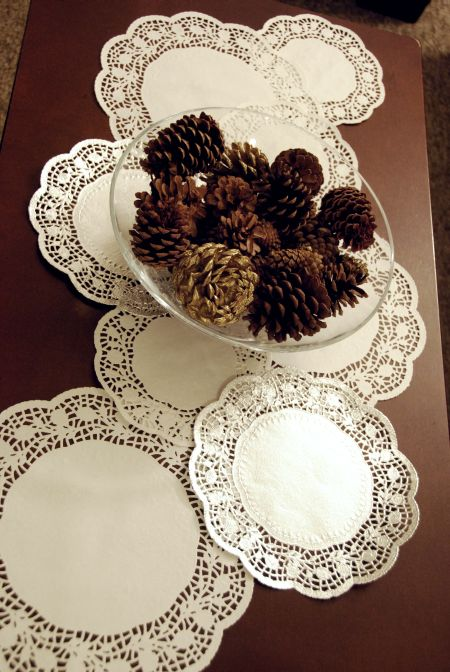 paper doily table runner 99 cent store craft dollar tree inexpensive christmas holiday project ideas decor