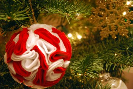 felt rosette christmas tree ornament craft DIY gift